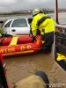 2019.03.16 PKW mit Person im Hochwasser